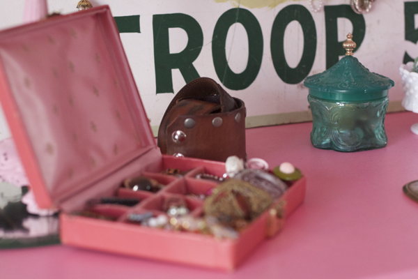 pink bedroom jewelry | shorts and longs | julie rybarczyk04