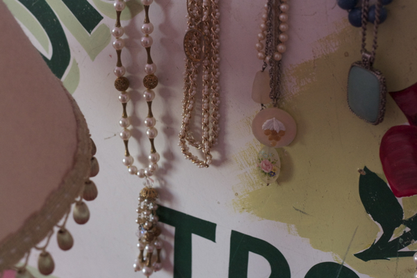 pink bedroom jewelry | shorts and longs | julie rybarczyk05