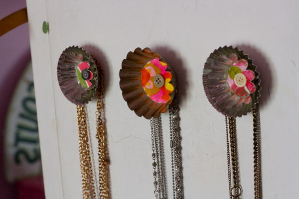 pink bedroom jewelry | shorts and longs | julie rybarczyk12