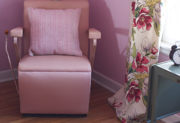 helene curtis pink beauty salon chair - shorts and longs - julie rybarczyk3